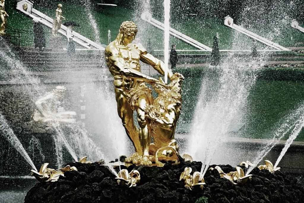Złote fontanny Peterhofu