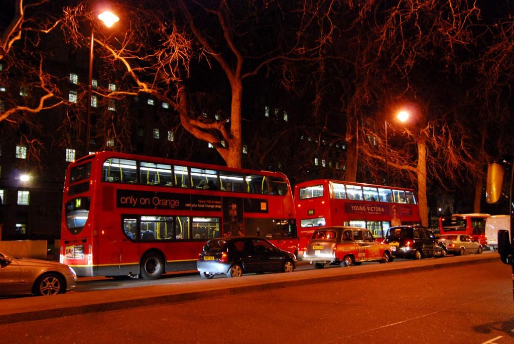Jeśli widzisz czerwony piętrowy autobus to znaczy, że jesteś w Londynie :)