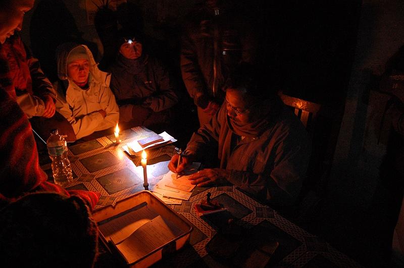 Granica indyjsko-nepalska XXI wiek, świeczki i pieczątka na chuch :)