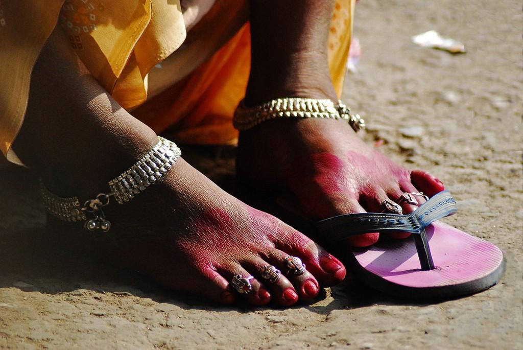 Z drugiej strony moglibyśmy się tu przyjrzeć Hindusom naprawdę z bliska